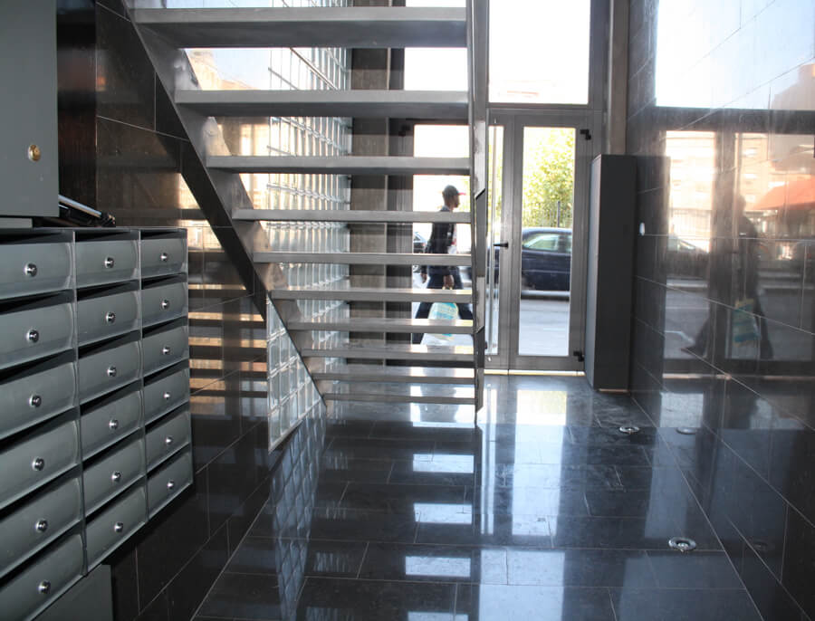 Ana-Velasco-5---Reforma-de-vestibul-a-Lleida